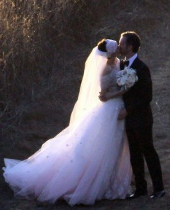 Anne Hathaway Pink Wedding Dress