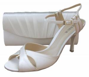 Menbur Ivory Bridal Sandal