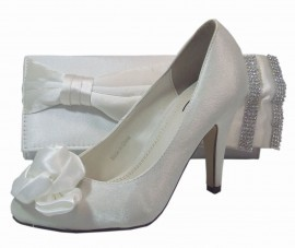 Ivory Satin Boarded Bow & Diamante Clutch Bag