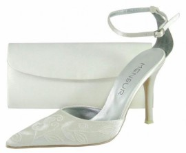 Menbur Ivory Heeled Ladies Shoes