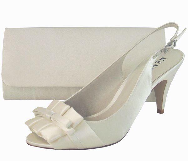 96689c9be7406 Elegant Ivory Peep Toe Wedding Shoes by Menbur