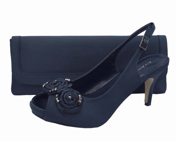 the best attitude df366 87b39 Menbur Avance Navy Blue Ladies Shoes